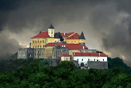 Мукачівський замок «Паланок» - це одна з рідкісних українських пам'яток, які мають настільки багату історію (фото)