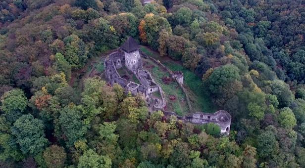 Невицький замок — напівзруйнована родзинка Закарпаття